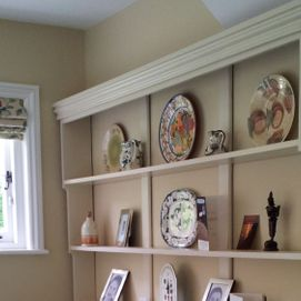 painted kitchen shelves with ornaments